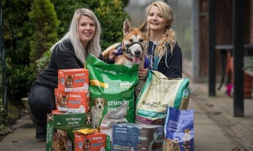 Max shows off donated petfood